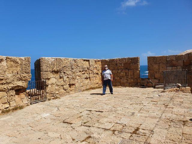 מגדל בחומה המערבית. מערך ההגנה ההתקפי