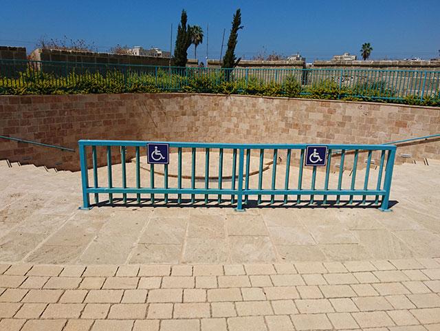 מיקום לאורחים על כיסא גלגלים, אמפי תיאטרון בגן הבוסתן